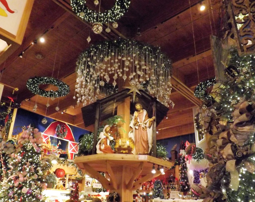 the inside of bronners christmas wonderland is decorated from floor to ceiling photokelsea